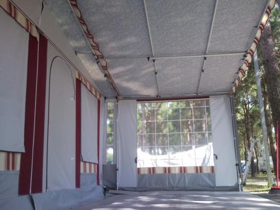 Particolare del verandino veranda con laterale